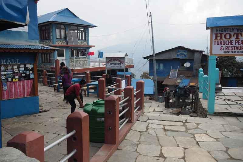 【ネパール】子連れでアナプルナベースキャンプトレッキング②:ゴレパニでショッピング