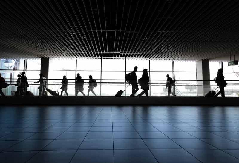 新型コロナウイルス(COVID-19)で海外旅行はキャンセルすべき?