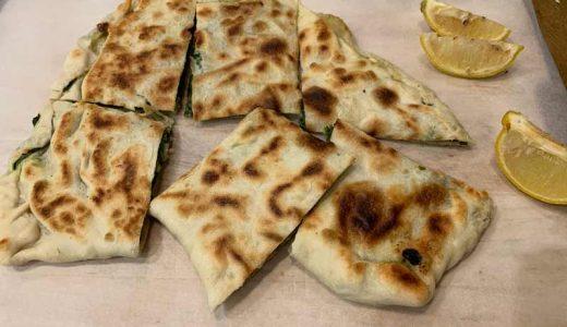 トルコ料理の激うまフェタチーズとほうれん草のゴズレム (Gozleme) 簡単レシピ!